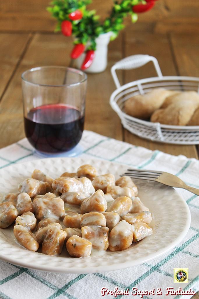 Gnocchi di ricotta in crema di gorgonzola