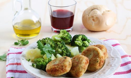 Polpette con broccoli patate e pecorino