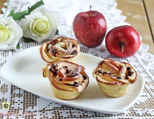 Rose di pasta sfoglia alle mele con cioccolato