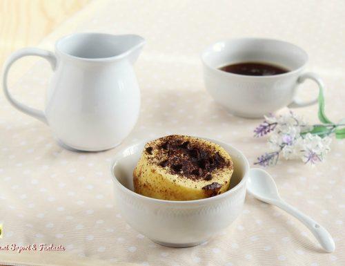 Torta in tazza vaniglia e cioccolato