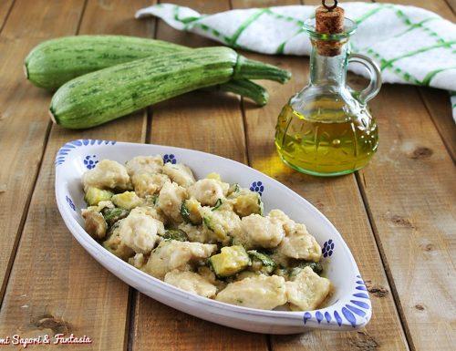 Tocchetti di pollo con zucchine