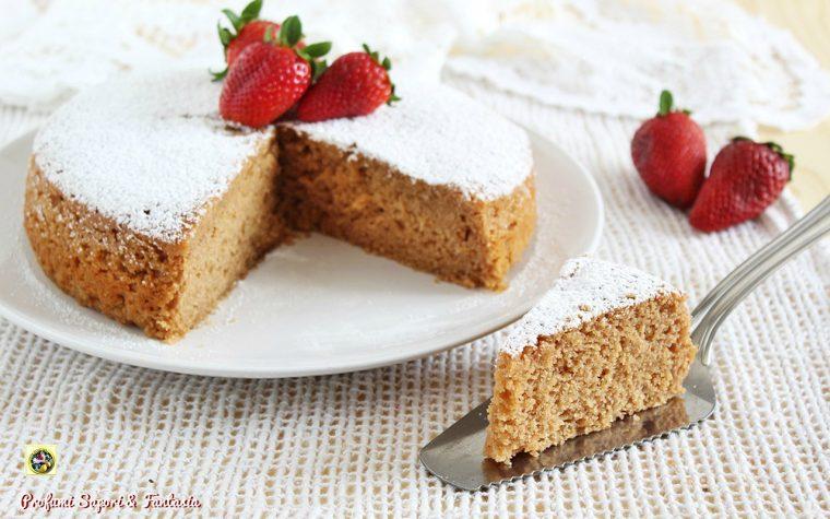 Torta con fragole frullate e ricotta