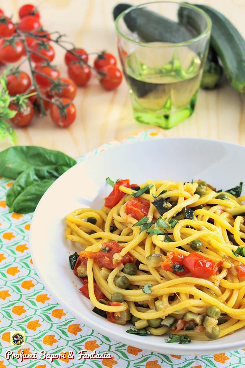 Spaghetti alle zucchine piselli e pomodorini