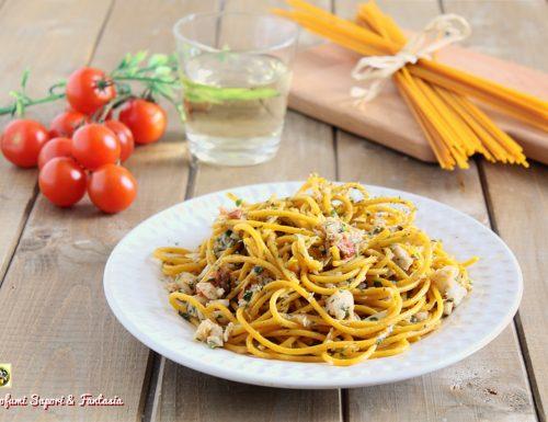 Spaghetti alla curcuma con sugo di pesce