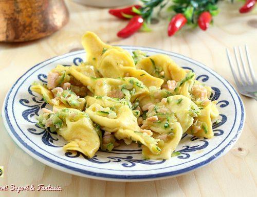 Caramelle di pasta con zucchine e salmone