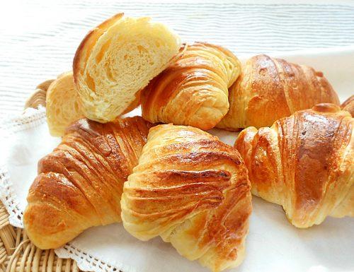Cornetti sfogliati di pan brioche