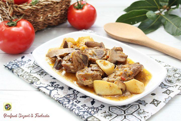 spezzatino di agnello con funghi e patate