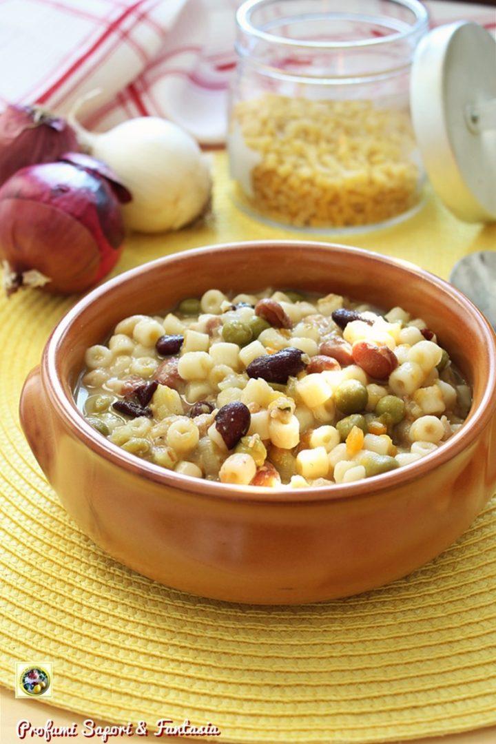 zuppa di legumi con pancetta e rosmarino