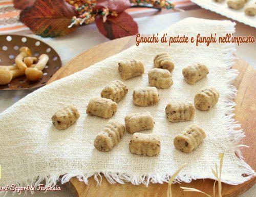Gnocchi di patate e funghi nell'impasto