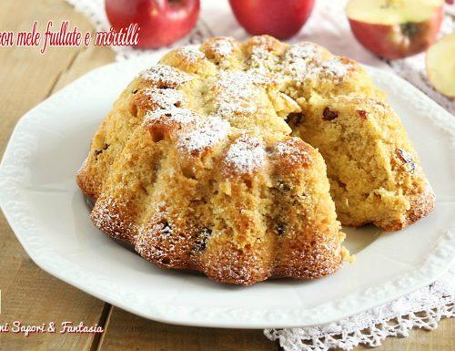 Torta con mele frullate e mirtilli