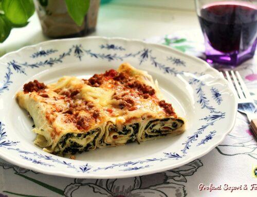 Cannelloni con ricotta e spinaci al ragù e besciamella