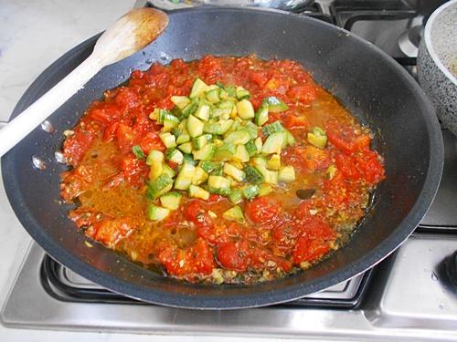 linguine con vongole zucchine e pomodorini
