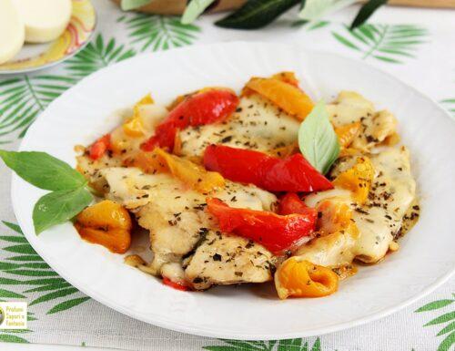 Petto di pollo ai peperoni con mozzarella
