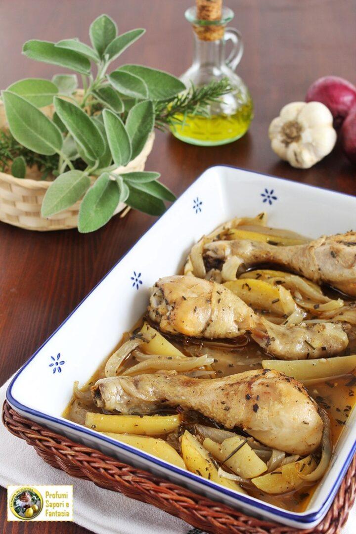 fusi di pollo al forno con cipolle e patate
