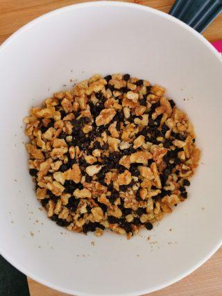 Pasta frolla Bimby alle noci con gocce di cioccolato