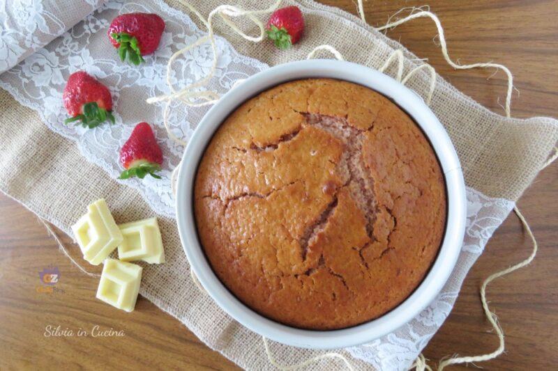 Torta Bimby fragole e cioccolato bianco