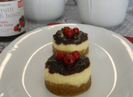 Mini cheesecake ai frutti di bosco