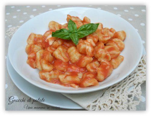 Gnocchi di patate al pomodoro e basilico