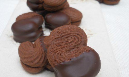 Frollini montati al cacao e cioccolato