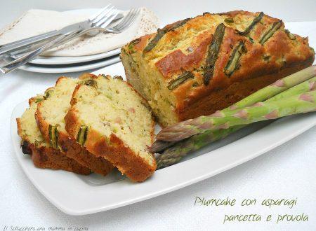 Plumcake salato con asparagi, pancetta e provola affumicata