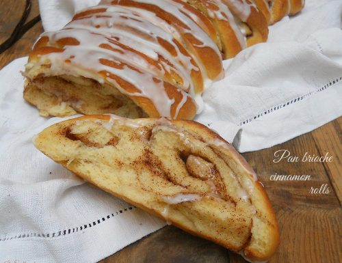 Pan brioche cinnamon rolls (cinnamon roll pull apart bread)