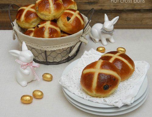 Hot cross buns, soffici panini semidolci