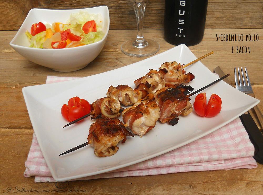 Spiedini di pollo e bacon