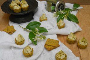 Tartellette di frolla al pistacchio con mousse al parmigiano