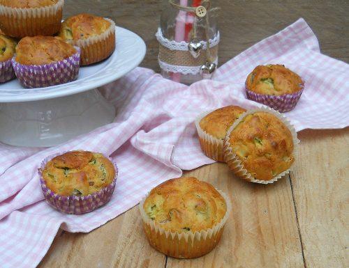 Muffin salati alle zucchine e pancetta