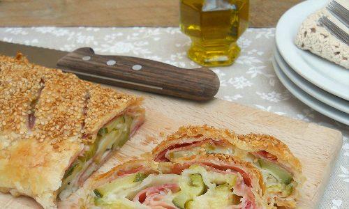 Rotolo di pasta sfoglia con culatello cotto, zucchine e mozzarella