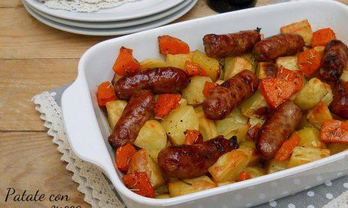 Patate e salsiccia con zucca al forno