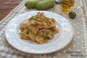 Bocconcini di pollo con zucchine e speck