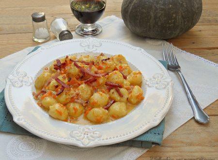Gnocchi con zucca, speck e gorgonzola