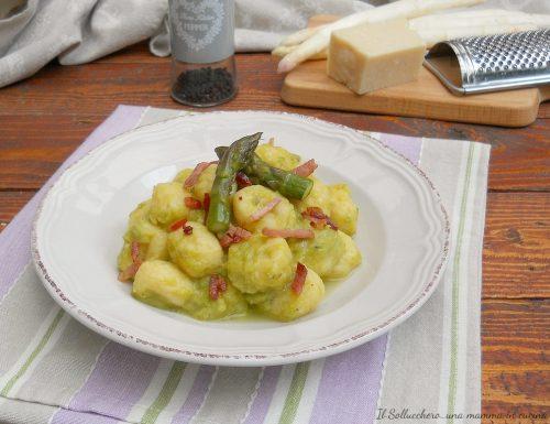 Gnocchi con crema di asparagi e speck