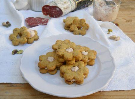 Frollini ai pistacchi con crema di ricotta e salame Campagnolo Clai
