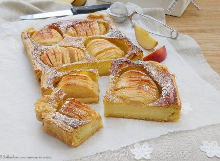 Torta di mele con pasta sfoglia e crema (cotta in forno)