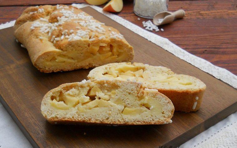 Rotolo di frolla con crema al limone e mele