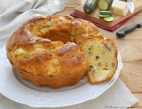 Ciambella salata con zucchine, speck e formaggio
