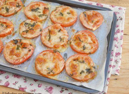 Pomodori al forno con mozzarella e parmigiano