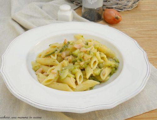Pasta con salmone e zucchine senza panna