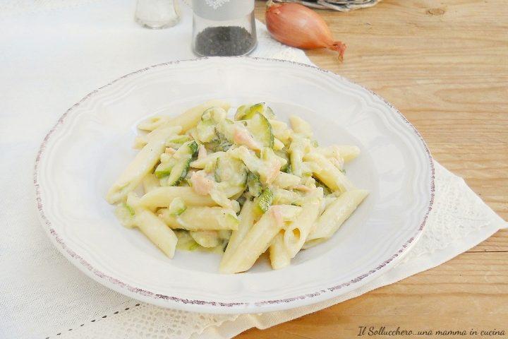 Pasta salmone e zucchine con mascarpone