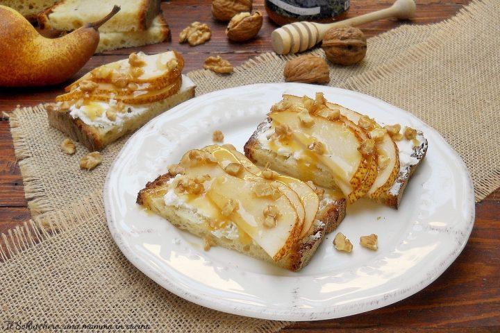 crostini di pane con robiola