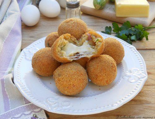 Polpette di pane e zucchine con cuore filante