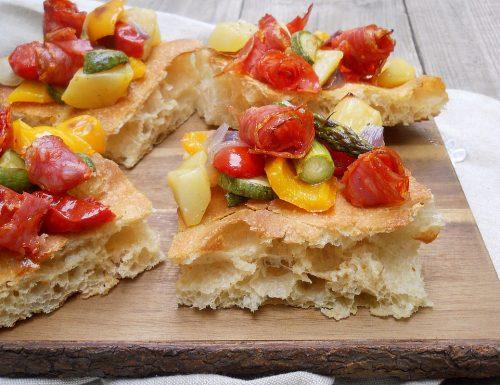 Pizza bianca con verdure e Spianata piccante Clai