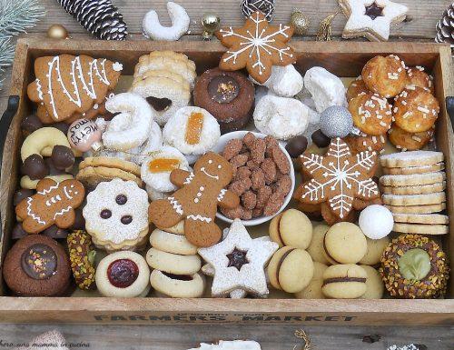 Scatola di biscotti natalizia (Christmas cookie box)