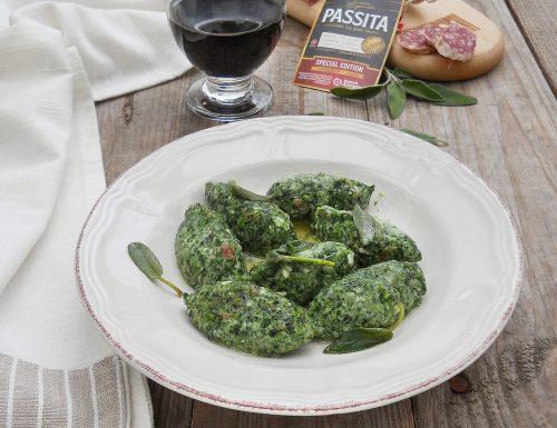 Gnudi di ricotta, spinaci e Salsiccia passita Clai