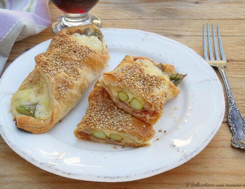 Fagottini di pasta sfoglia con speck e asparagi