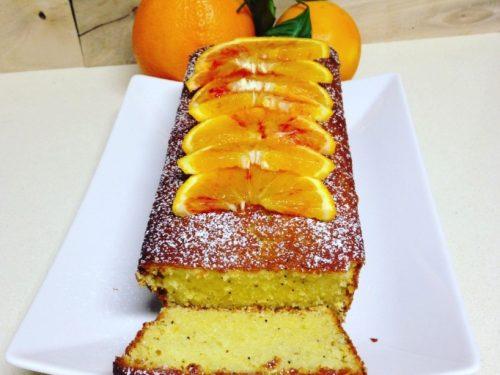 Plumcake all'arancia, yogurt e semi di papavero