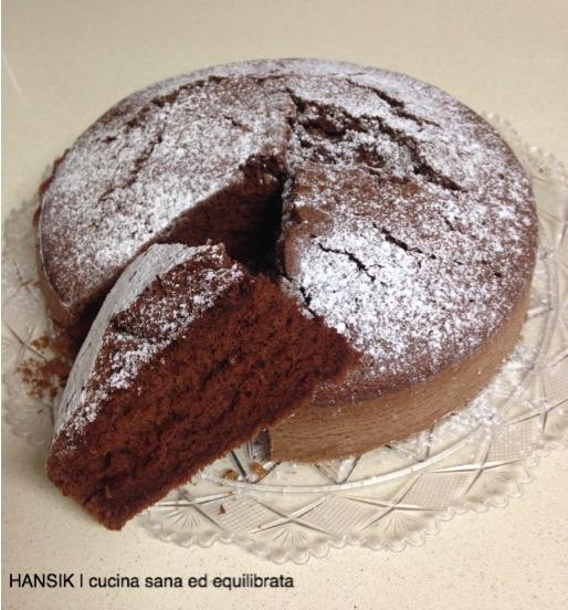 Torta con albumi soffice al cacao