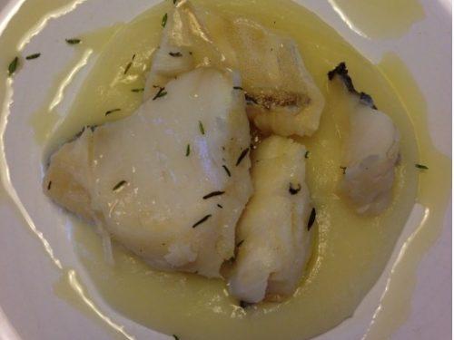 Baccalà al vapore con crema di patate e cipolla
